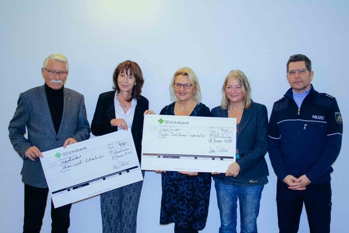 von links nach rechts: Herr Helmut Barek, Frau Anne Heselhaus-Schröer, Frau Dorothee Becker,Frau Susanne Zabke-Keller und Herr Carsten Jahns