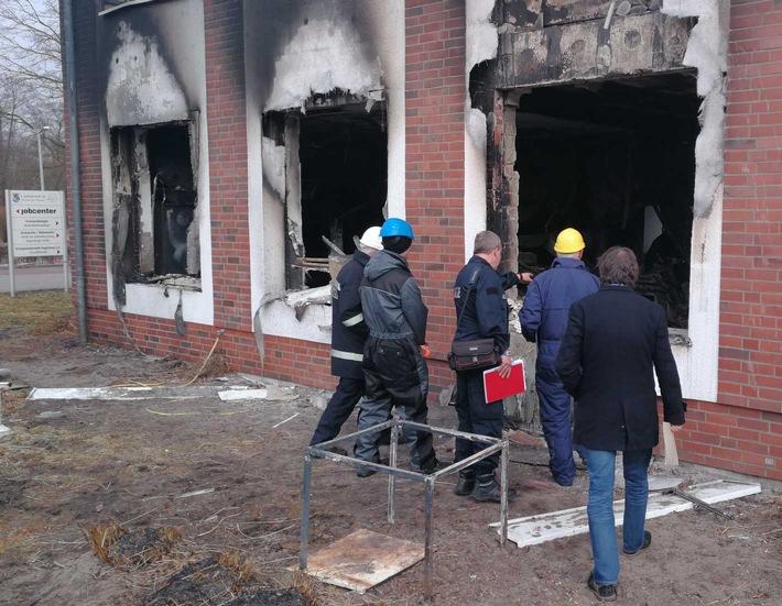 Brandexperten bei der Arbeit