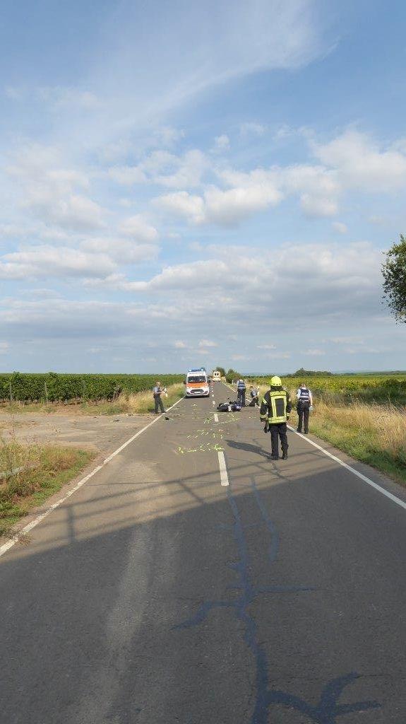 Verkehrsunfall mit zwei schwerverletzten Kradfahrern