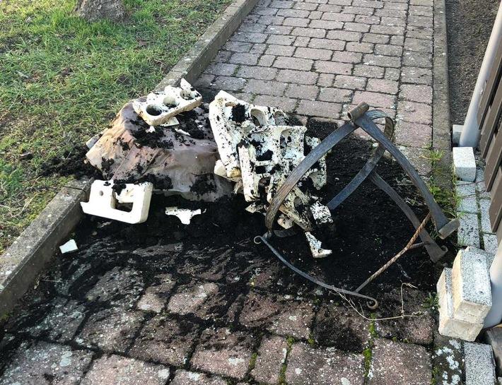 POL-PDNW: Kupferkessel aus Garten gestohlen