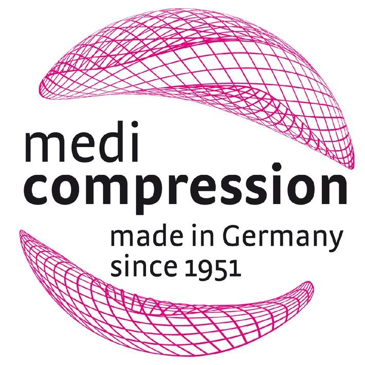 """""""medi compression"""" heißt die Technologie, die in Strümpfen und Bandagen von medi steckt: Das Qualitätssiegel kennzeichnet ausgewählte Produkte, die mit exakt dosierter medi Kompression für gesunde, schöne und fitte Beine sorgen.Weiterer Text über ots und www.presseportal.de -Die Verwendung dieses Bildes ist für redaktionelle Zwecke honorarfrei. Veröffentlichung bitte unter Quellenangabe: """"obs/medi GmbH & Co. KG"""""""