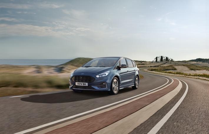 """Ford gab heute (16. Januar 2020) eine Investition von insgesamt 42 Millionen Euro in sein Produktionswerk im spanischen Valencia bekannt. Der Löwenanteil dieser Summe - 24 Millionen Euro - fließt in den Aufbau von zwei neuen, hochmodernen Linien für die Montage von Lithium-Ionen-Batterien, die künftig in den Ford-Modellen Kuga Plug-In Hybrid (PHEV), Kuga Hybrid, S-MAX Hybrid sowie Galaxy Hybrid verbaut werden. Diese elektrifizierten Modelle werden in Valencia - zusammen mit den Modellen mit konventionellem Antrieb - produziert werden. Die beiden neuen Batterie-Montagestraßen sollen im September 2020 in Betrieb gehen. Für Upgrades, darunter neue Montagelinien und neue Werkzeuge, hat Ford acht Millionen Euro im Werk Valencia investiert, weitere zehn Millionen Euro unterstützen die Produktion des neuen Ford Kuga Hybrid. Das Bild zeigt den Ford S-MAX. Weiterer Text über ots und www.presseportal.de/nr/6955 / Die Verwendung dieses Bildes ist für redaktionelle Zwecke honorarfrei. Veröffentlichung bitte unter Quellenangabe: """"obs/Ford-Werke GmbH"""""""