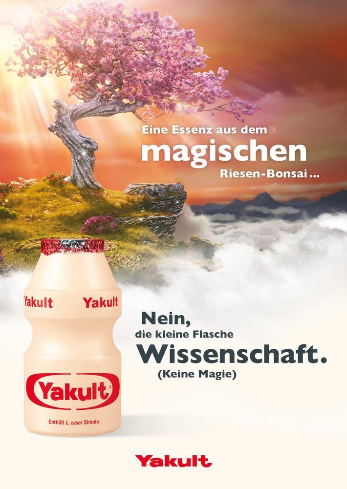 """Die neue Kampagne """"Wissenschaft, keine Magie"""" lüftet mit einem magischen Werbespot das Geheimnis von Yakult. Weiterer Text über ots und www.presseportal.de/nr/34477 / Die Verwendung dieses Bildes ist für redaktionelle Zwecke honorarfrei. Veröffentlichung bitte unter Quellenangabe: """"obs/Yakult Deutschland GmbH/© Yakult Deutschland GmbH."""""""