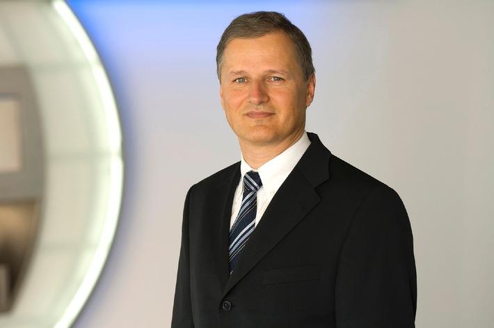 Passation de pouvoirs chez Swiss Interbank Clearing SA