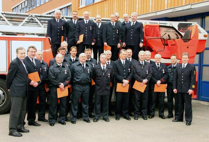 FW-E: Verleihung von Feuerwehr-Ehrenzeichen in Silber und Gold