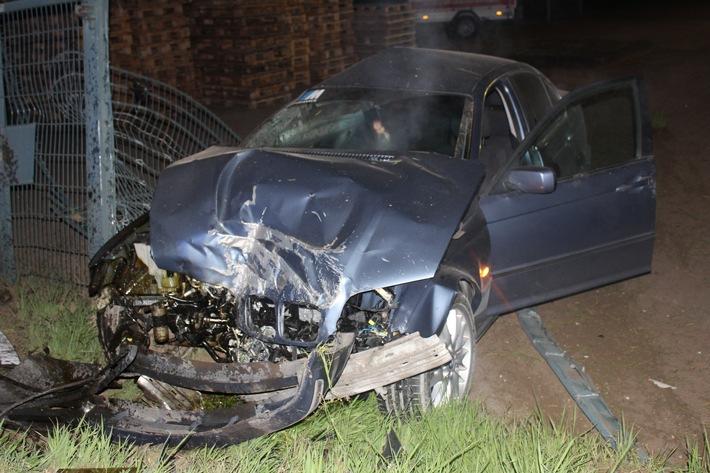POL-DU: Neumühl: Betrunkener BMW-Fahrer prallt vor Gasverteiler