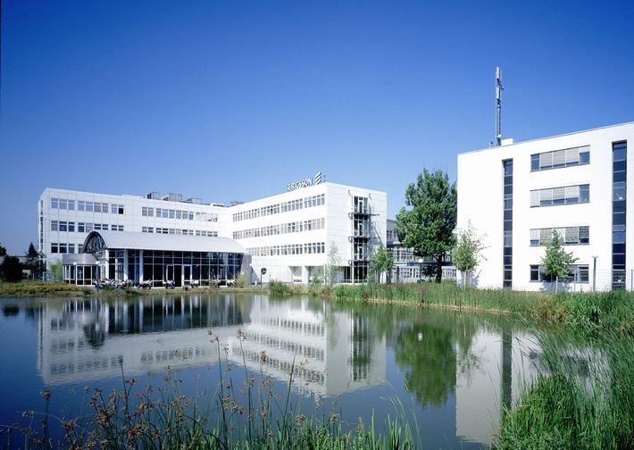 """Das Ericsson Eurolab bei Aachen: Hier wurde seit seiner Gründung im Jahr 1991 jeder Mobilfunkstandard von 2G bis hin zu 5G mitentwickelt. / Ericsson bietet Start-Ups die Möglichkeit gemeinsam 5G-Anwendungen zu entwickeln / Weiterer Text über ots und www.presseportal.de/nr/13502 / Die Verwendung dieses Bildes ist für redaktionelle Zwecke honorarfrei. Veröffentlichung bitte unter Quellenangabe: """"obs/Ericsson GmbH"""""""