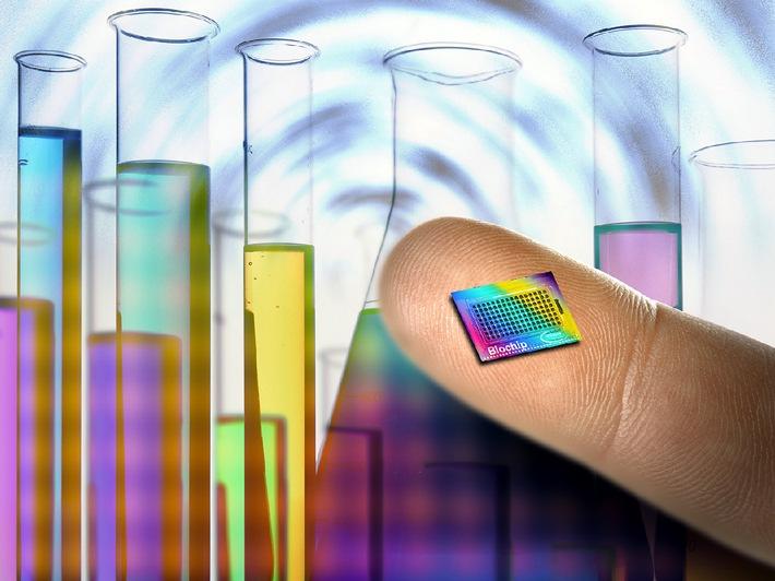 """Der neue Biochip von Infineon Technologies verfügt über 128 Poren für die Analyse unterschiedlicher Biomoleküle. Die Verwendung dieses Bildes ist für redaktionelle Zwecke honorarfrei.  Abdruck bitte unter Quellenangabe: """"obs/Infineon Technologies"""""""