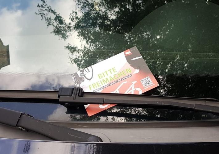 Parken Sie nicht auf Gehwegen