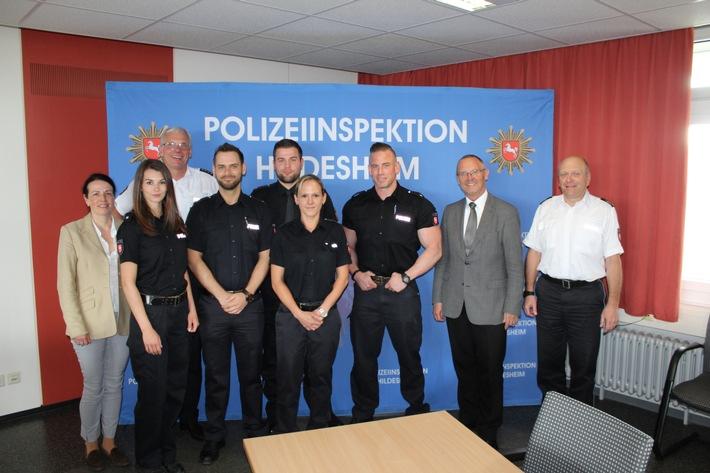 Gruppenfoto mit Polizeipräsident Uwe Lührig