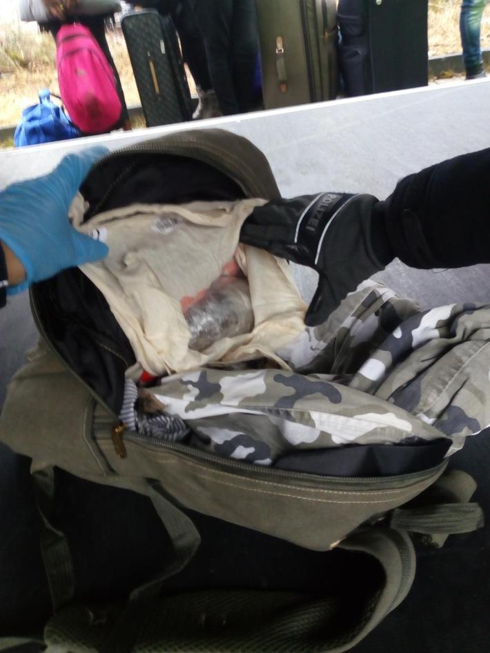 Auffindesituation: Rucksack mit Drogenpaket