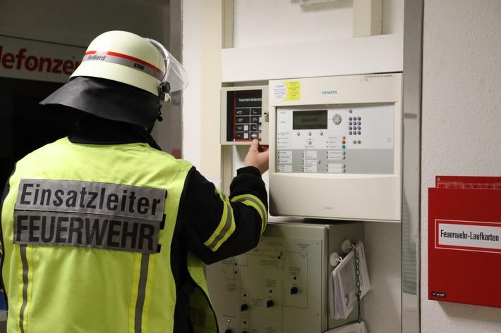 FFW Schiffdorf: Ausgelöster Handdruckmelder sorgt für Einsatz in Altenheim