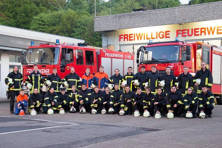 FW-EN: Gemeinsamer Grundlehrgang der Feuerwehren Ennepetal und Schwelm - Erfolgreicher Abschluss des ersten Teils der Grundausbildung