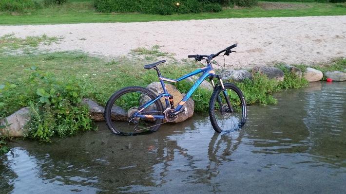 POL-FL: Kropp - Hochwertiges Mountainbike aus Werkstatt entwendet! Polizei sucht Zeugen!