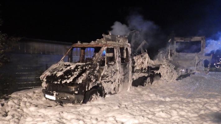 POL-EN: Breckerfeld- Lkw brennt komplett aus