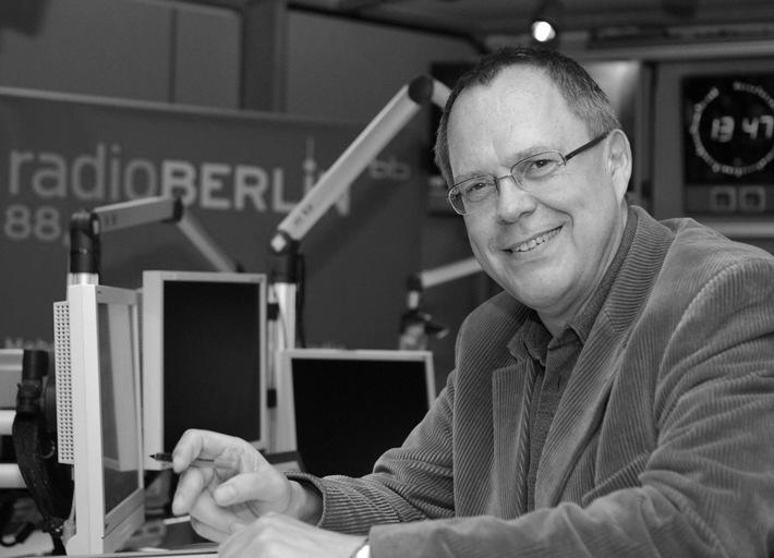 """Jürgen Jürgens, langjähriger Musikchef von radioBerlin 88,8 vom Rundfunk Berlin-Brandenburg und Moderator der Hörer-Hitparade """"Hey Music"""" starb am 21. Mai 2018. Er wurde 65 Jahre alt. / Weiterer Text über OTS und www.presseportal.de/pm/51580"""