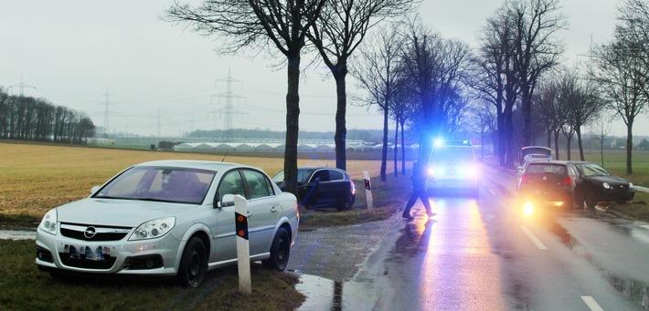 Mehrere Verletzte bei einem Unfall auf der Rheindahlener Straße in Dülken.