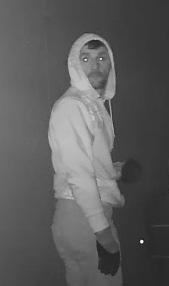 Wer kennt diesen Einbrecher?