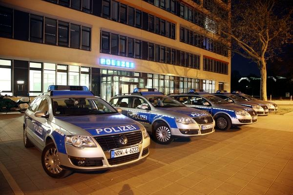 POL-REK: 180312-4: Auto abgebrannt - Erftstadt