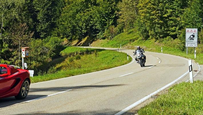 POL-DH: --- Landkreis - Start in die Motorrad-Saison ---