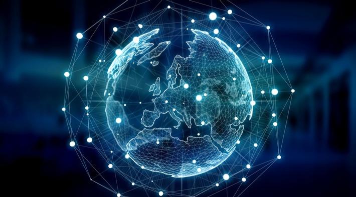 """skyDSL, in Zusammenarbeit mit Eutelsat, übertrifft die Erwartungen der EU für 2020 und bietet bereits heute allen Haushalten den Zugang zu schnellem Internet mit 50 Mbit/s.  Die Europäische Union erreicht ihr Ziel, den Zugang zum Internet mit mehr als 30 Mbit/s für 100% der Bevölkerung bis 2020 zu gewährleisten, nicht. Ohne schnelles Internet über Satellit ist Ausgrenzung und Migration zu erwarten. Weiterer Text über ots und www.presseportal.de/nr/82808 / Die Verwendung dieses Bildes ist für redaktionelle Zwecke honorarfrei. Veröffentlichung bitte unter Quellenangabe: """"obs/skyDSL Deutschland GmbH"""""""