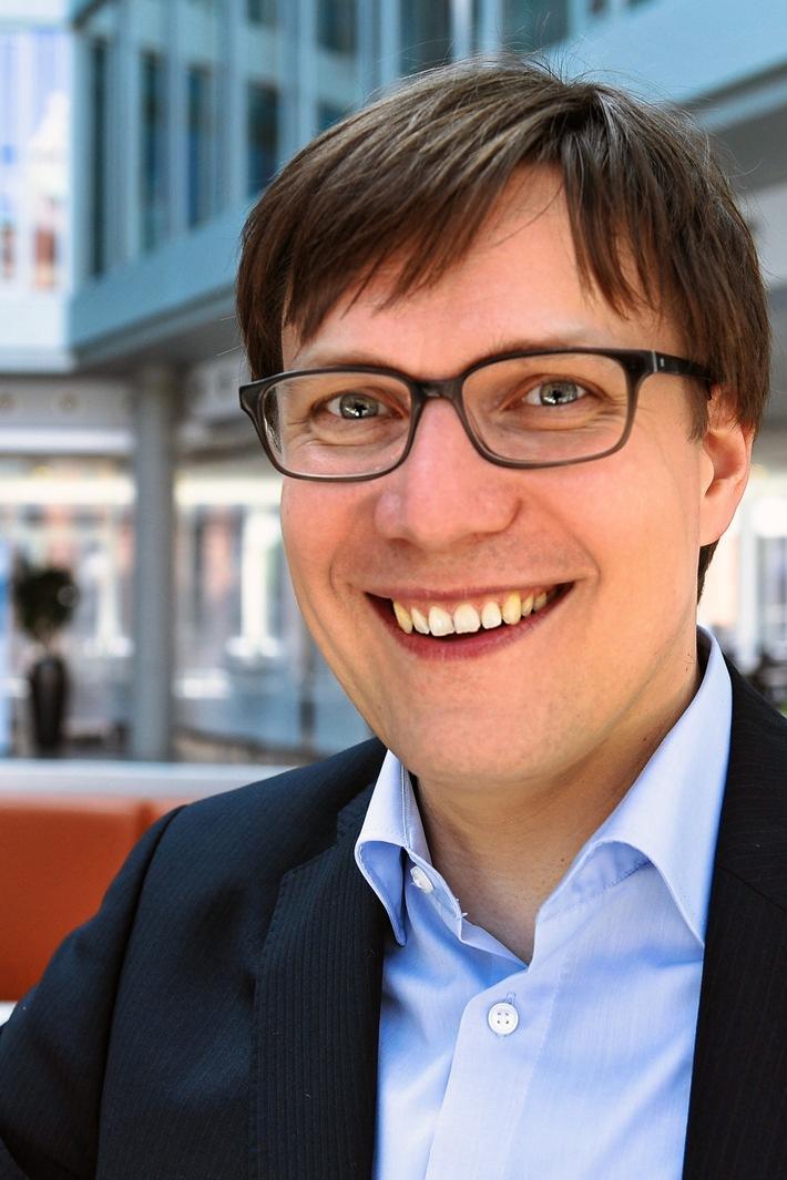 """Thomas Roß ist Berater für digitale Kommunikation. Als Referent leitet er den Media Workshop """"Videos für PR, Marketing und Social Media"""" am 06.07.2017 in Hamburg. Weiterer Text über ots und www.presseportal.de/nr/104299 / Die Verwendung dieses Bildes ist für redaktionelle Zwecke honorarfrei. Veröffentlichung bitte unter Quellenangabe: """"obs/MEDIA WORKSHOP/Thomas Roß"""""""
