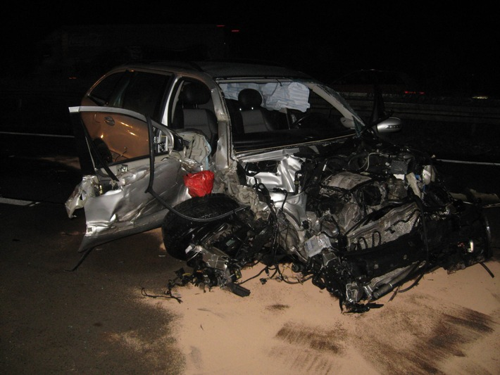 POL-HI: Verkehrsunfall auf der BAB 7 fordert einen Schwerverletzten