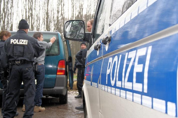 Die Rosenheimer Bundespolizei hat in Kiefersfelden einen mutmaßlichen Schleuser gefasst, der sich der Grenzkontrolle entziehen wollte.