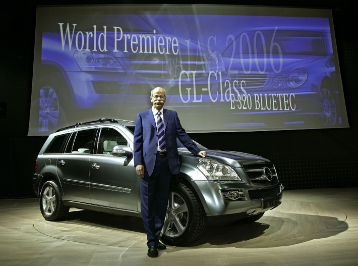 Mercedes-Benz at the North American International Auto Show 2006 / GL-Class and E 320 BLUETEC in the spotlight
