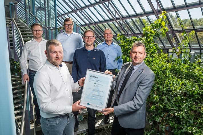 MeteoViva ISO27001 Zertifikat vlnr Timo Doersam_Felix Haferkorn_Jan Scheffler_Hauke Chakanga_Ste.jpg