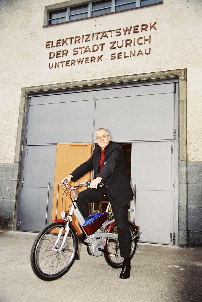 Elmar Ledergerber auf dem E-Bike
