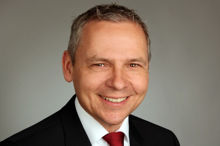 Dr. Clemens Weis neuer Vice President, Managing Director Greater China, der itelligence AG