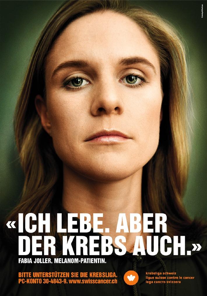 """Für die diesjährige Jahressammlung der Krebsliga Schweiz stellt sich die heute 25-jährige Lehrerin Fabia Joller zur Verfügung. Als Teenager erkrankte sie an Hautkrebs. Heute gilt sie als geheilt. Weiterer Text über ots. Die Verwendung dieses Bildes ist für redaktionelle Zwecke honorarfrei. Abdruck bitte unter Quellenangabe: """"obs/Krebsliga Schweiz""""."""