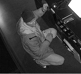 (1) Wer kennt diesen Einbrecher? -KPB HSK