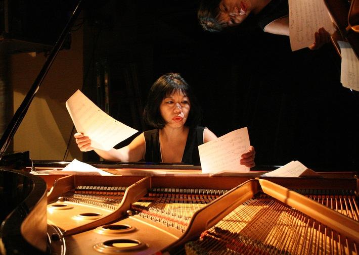 """Pianistin und Komponistin Aki Takase erhält Jazzpreis Berlin 2018. © rbb/Kazue Yokoi, honorarfrei - Verwendung gemäß der AGB von ARD-Foto im Rahmen einer engen, unternehmensbezogenen Berichterstattung im rbb-Zusammenhang bei Nennung """"Bild: rbb/Kazue Yokoi"""" / Weiterer Text über OTS und www.presseportal.de/pm/51580"""