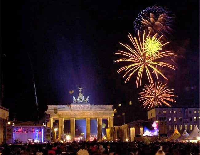 """Silvester bei RTL II: """"Silvester Hit-Countdown - Welcome 2014"""" am 31. Dezember ab 20:15 Uhr"""