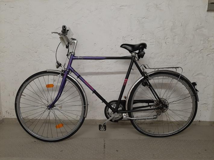 sichergestelltes Herrenrad, Hercules, violett