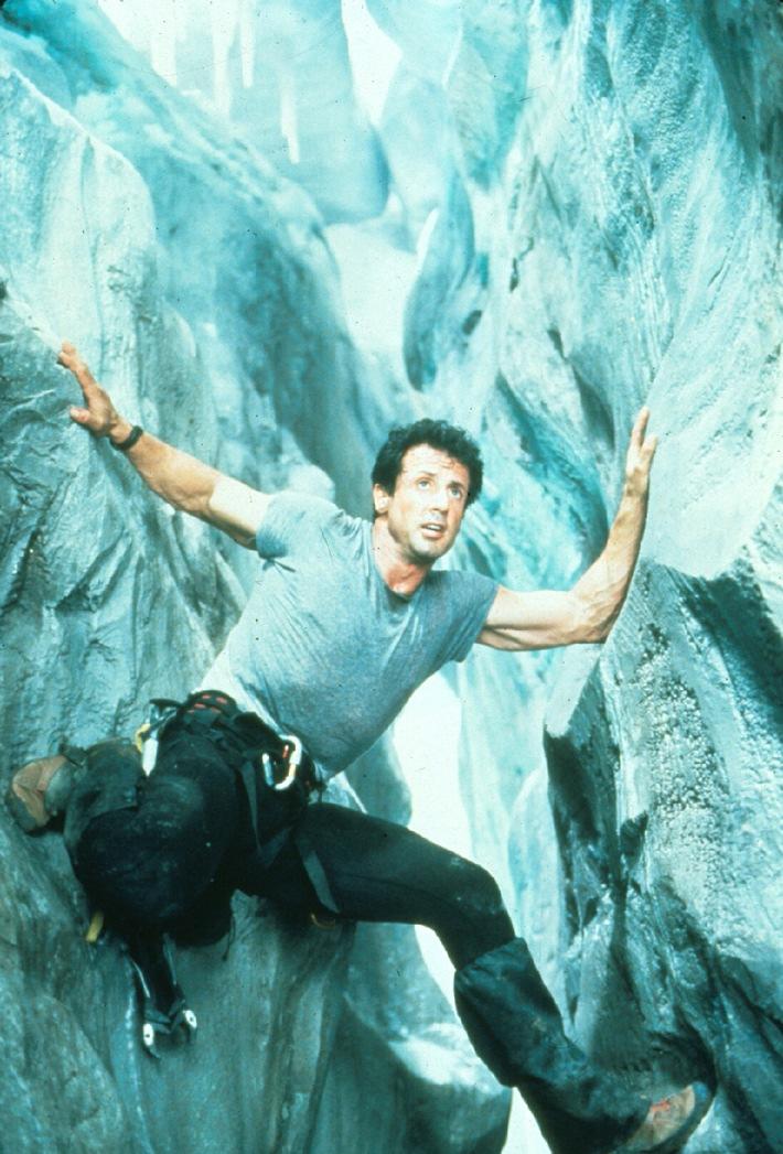 'Cliffhanger' Sly Stallone klettert um sein Leben am 15. Dezember, 22.05 Uhr auf Tele 5