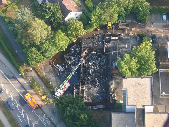Luftbild des abgebrannten Supermarktes