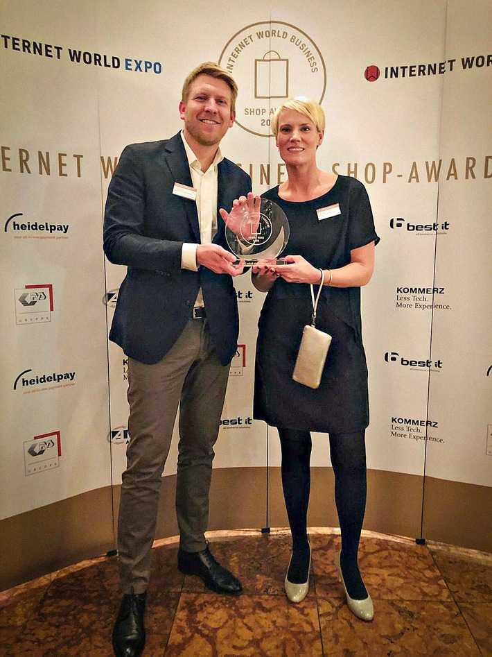 "bonprix gewinnt als ""Bester Markenshop"" den Internet World Business Shop-Award (FOTO)"