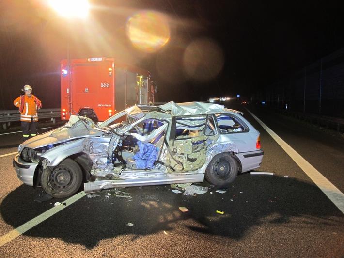POL-ROW: Unfall mit Schwerverletztem verursacht hohen Sachschaden und lange Wartezeiten auf der A1