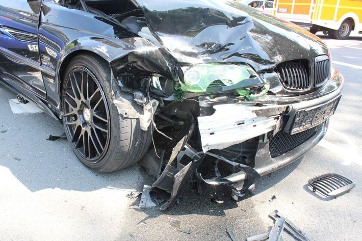 POL-RBK: Wermelskirchen - drei Leichtverletzte in Dabringhausen