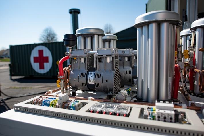 Hilfe für Indien: Der Sanitätsdienst der Bundeswehr liefert lebenswichtige Sauerstofferzeugungsanlage (FOTO)