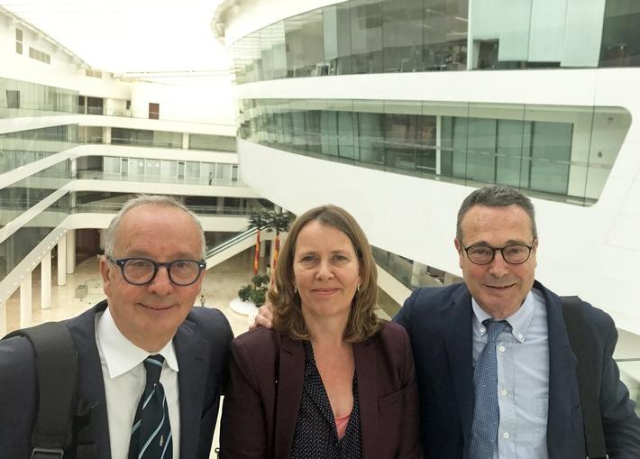 von links nach rechts: Walter de Silva, Barbara Kersten  (Geschäftsführerin EDAG Spanien), Jaime Lozoya (Geschäftsführer EDAG Spanien)