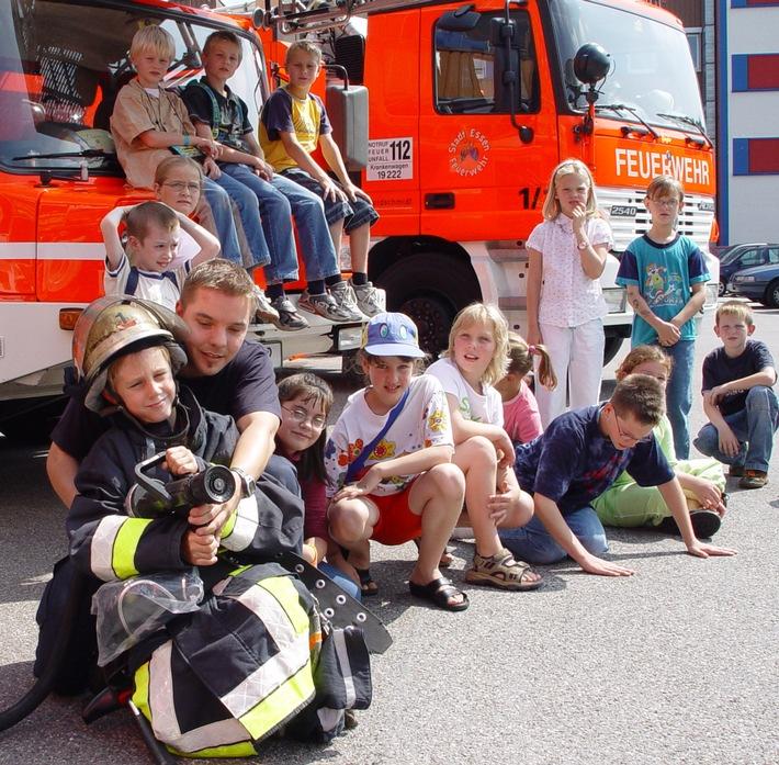 FW-E: Ferienspatz brachte 56 Kinder zur Feuerwehr