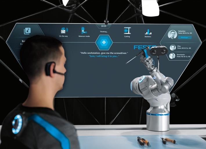 Der BionicWorkplace zeigt ein Zukunftszenario für KI gestützte, vernetzte Arbeitsumgebungen.