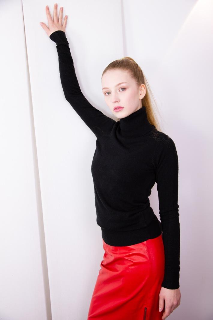 """New Face Model Mia-Lucia Feder, Agentur myfab Models. Haare + Make-up: Irina Geimbuch. Weiterer Text über ots und www.presseportal.de/nr/134257 / Die Verwendung dieses Bildes ist für redaktionelle Zwecke honorarfrei. Veröffentlichung bitte unter Quellenangabe: """"obs/Myfab Models"""""""