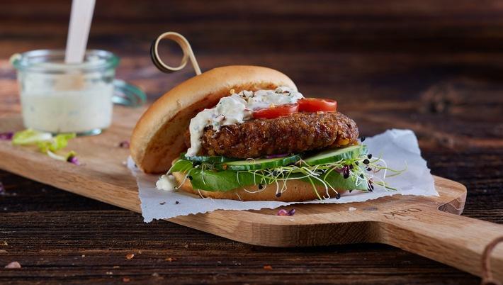 Coop introduce gli hamburger di insetti / Via libera della Confederazione a grilli, cavallette e vermi della farina