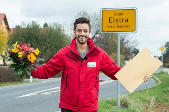Gewinner-Glück im Landkreis Bautzen: Postcode-Moderator Giuliano Lenz in Elstra. Fotocredit: ?Postcode Lotterie/Marco Urban?