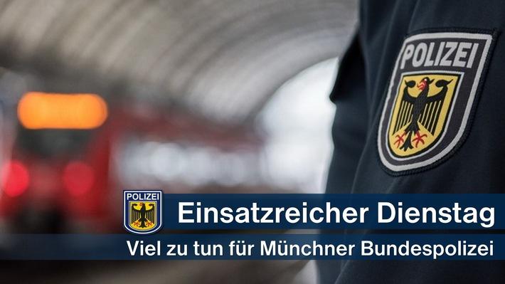Direzione della polizia federale di Monaco: martedì impegnato per polizia federale / migrazione di treni merci, minacce, insulti, rapine e lesioni personali